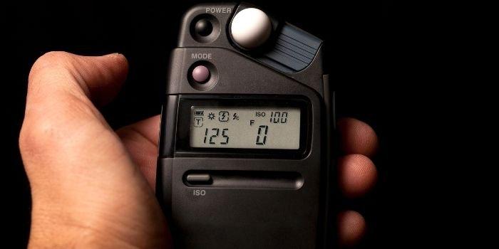 image of a handheld light meter
